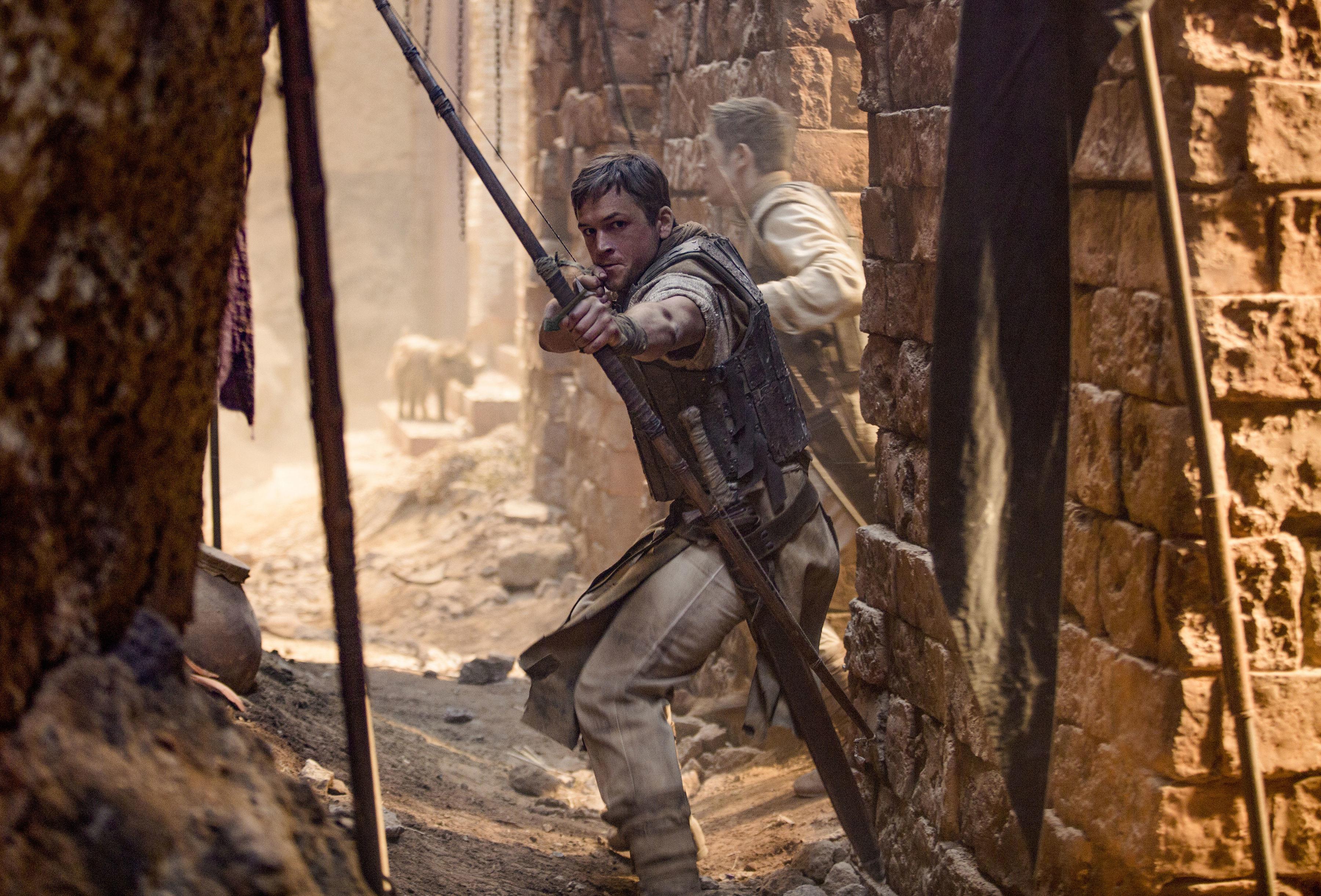 Разбойник изШервудского леса: вышел трейлер фильма «Робин Гуд: Начало»