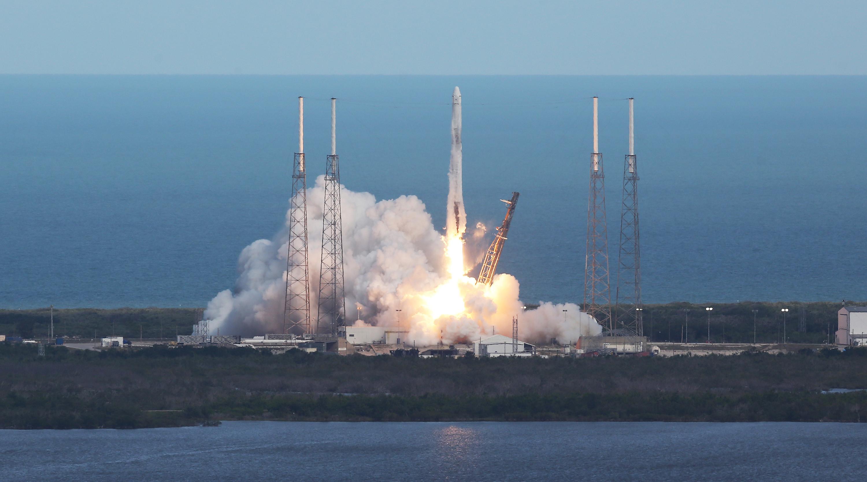 «Дракон» Илона Маска вернулся на отчизну — Большая победа SpaceX