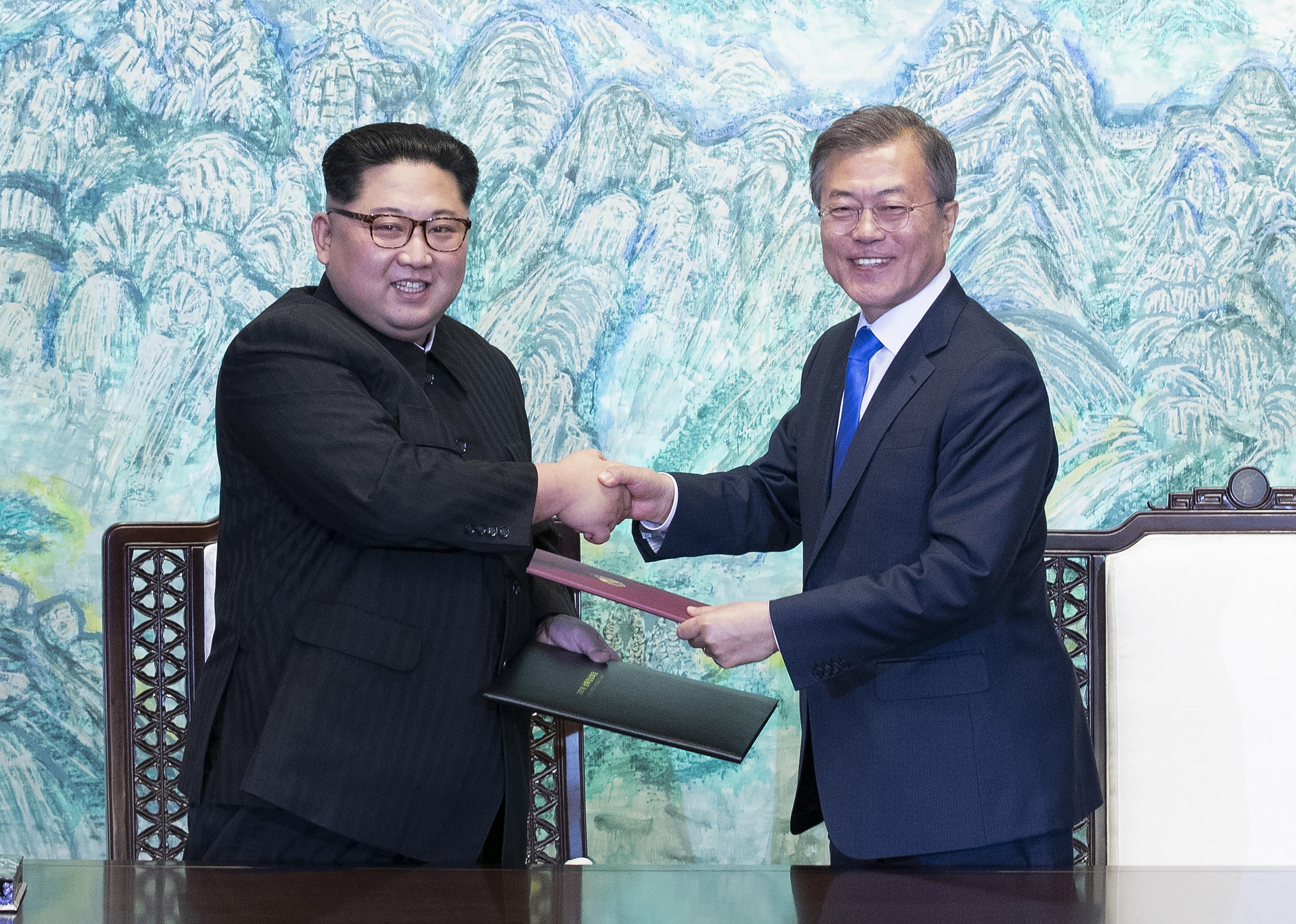 Ким Чен Ынвзорвал ненастоящий ядерный полигон,— российский политик