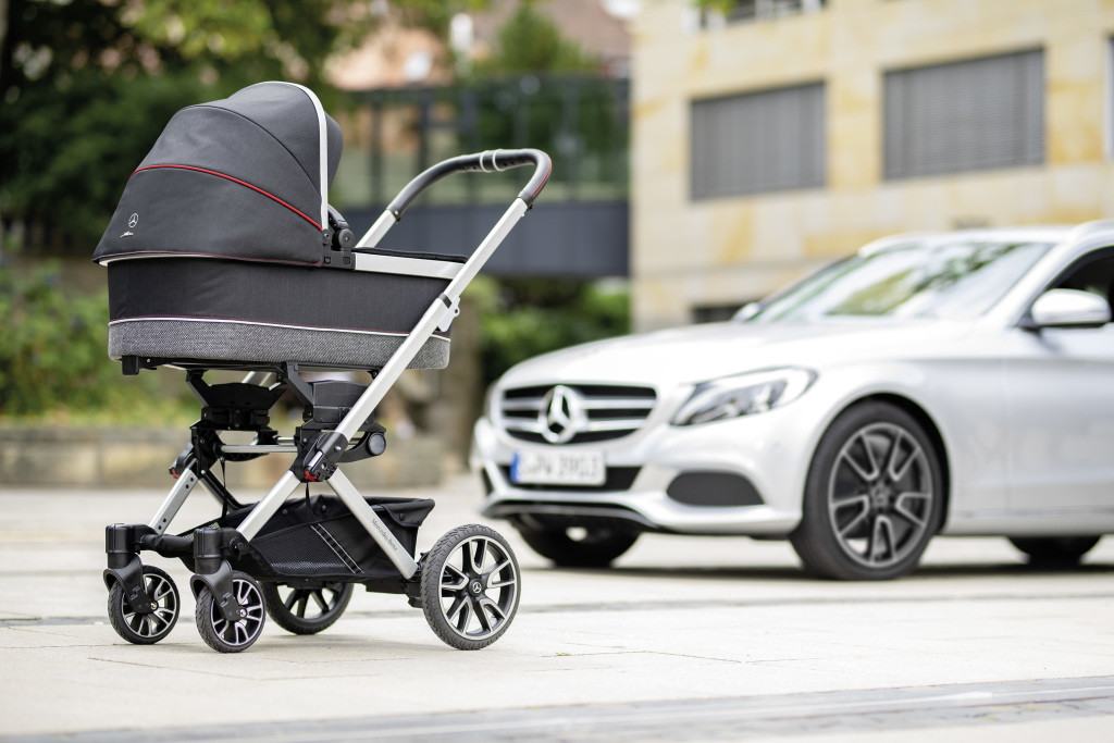 Mercedes-Benz выпустил детскую коляску