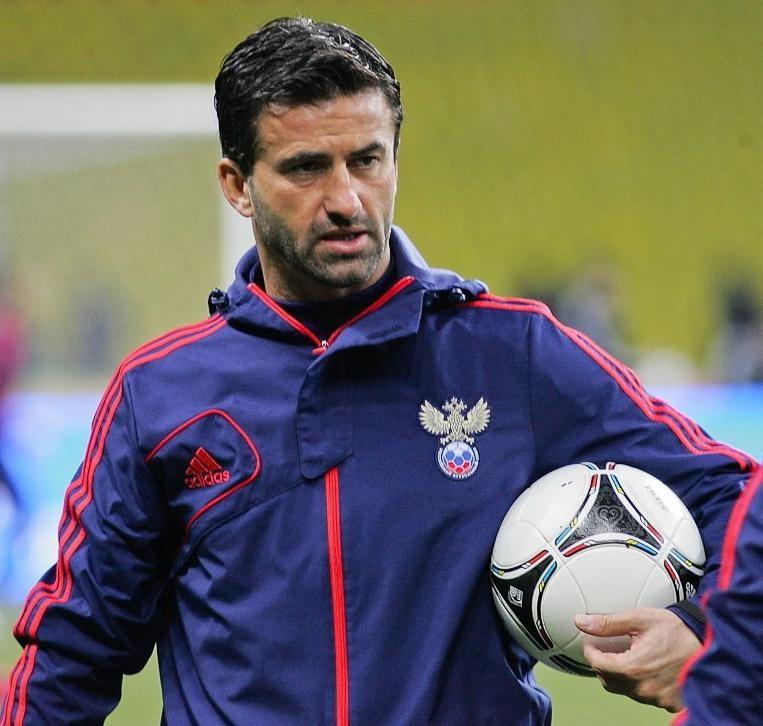 Экс-тренер русской  футбольной сборной подал всуд на прежнего  президента Албании