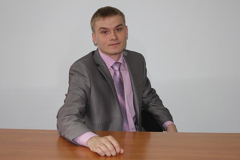 Навыборах руководителя Хакасии выигрывает Валентин Коновалов отКПРФ