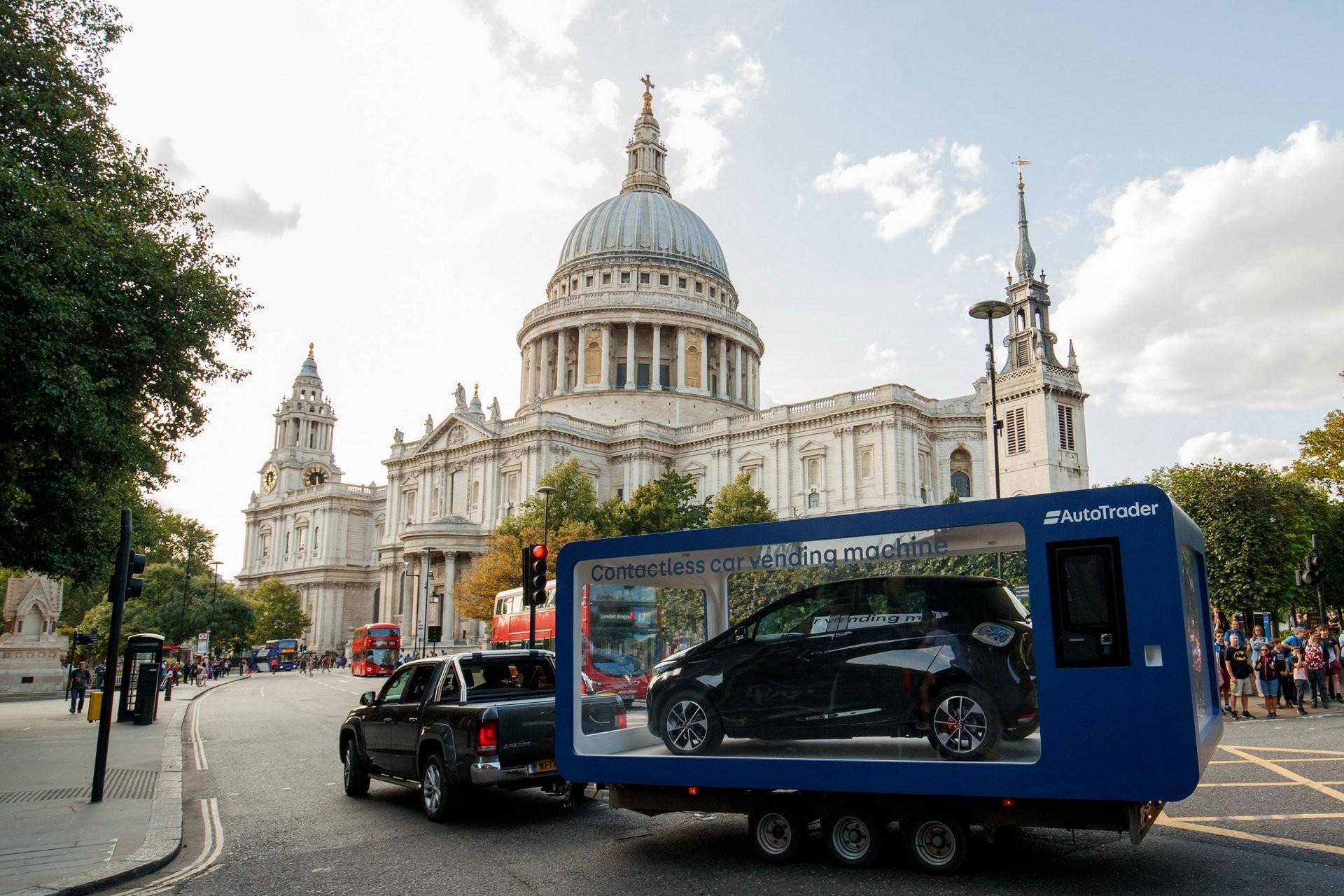 Встолице Англии появился вендинговый автомат попродаже авто