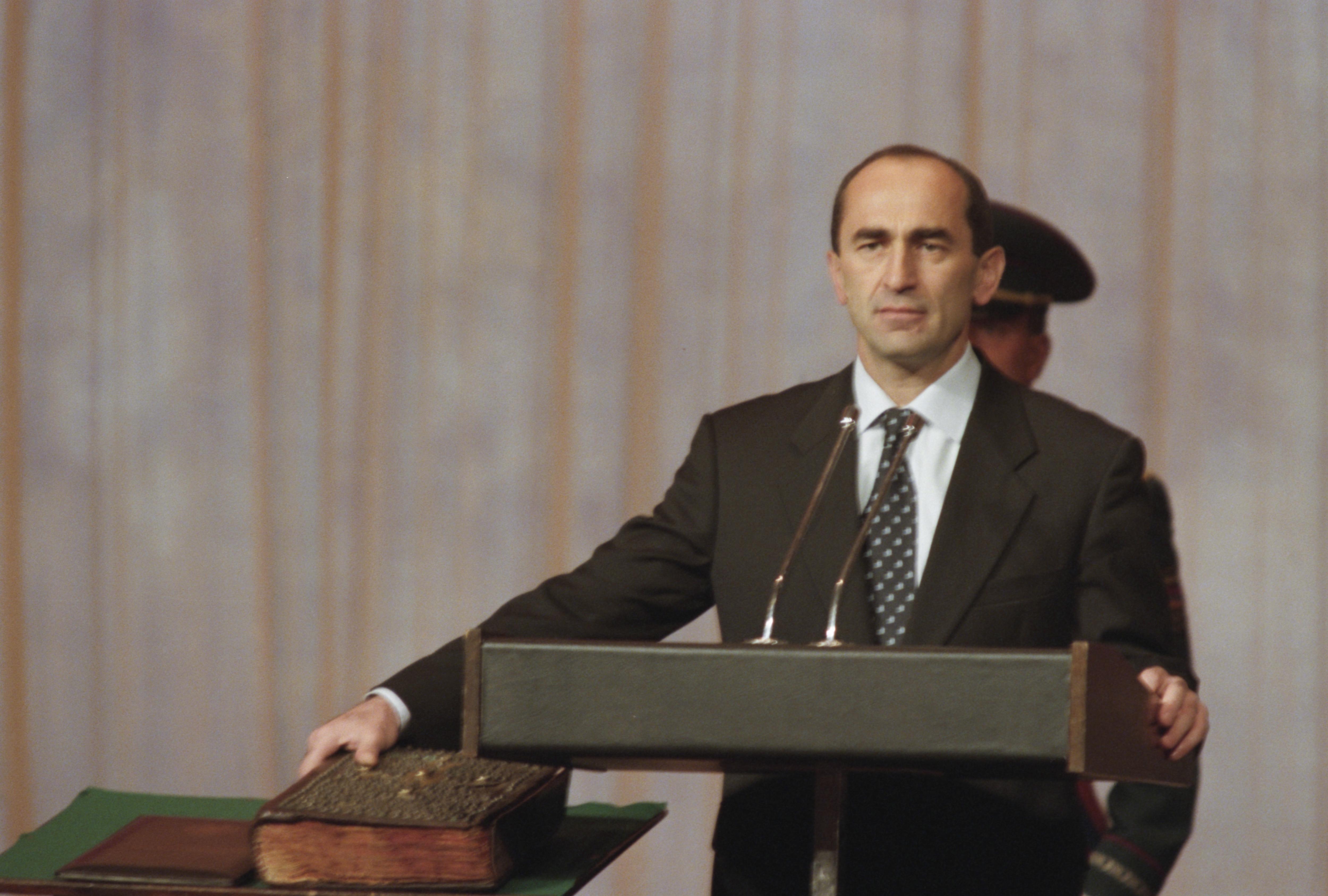 Конституционный суд Армении остановил дело экс-президента Кочаряна