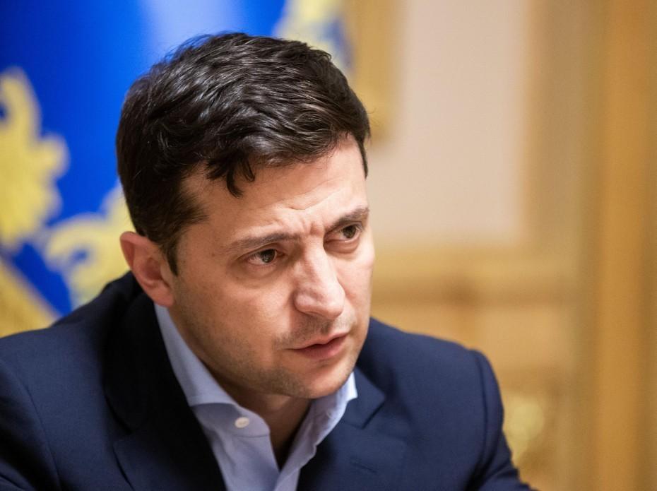Им всем фиолетово Зеленский призвал люстрировать Порошенко вслед за Януковичем