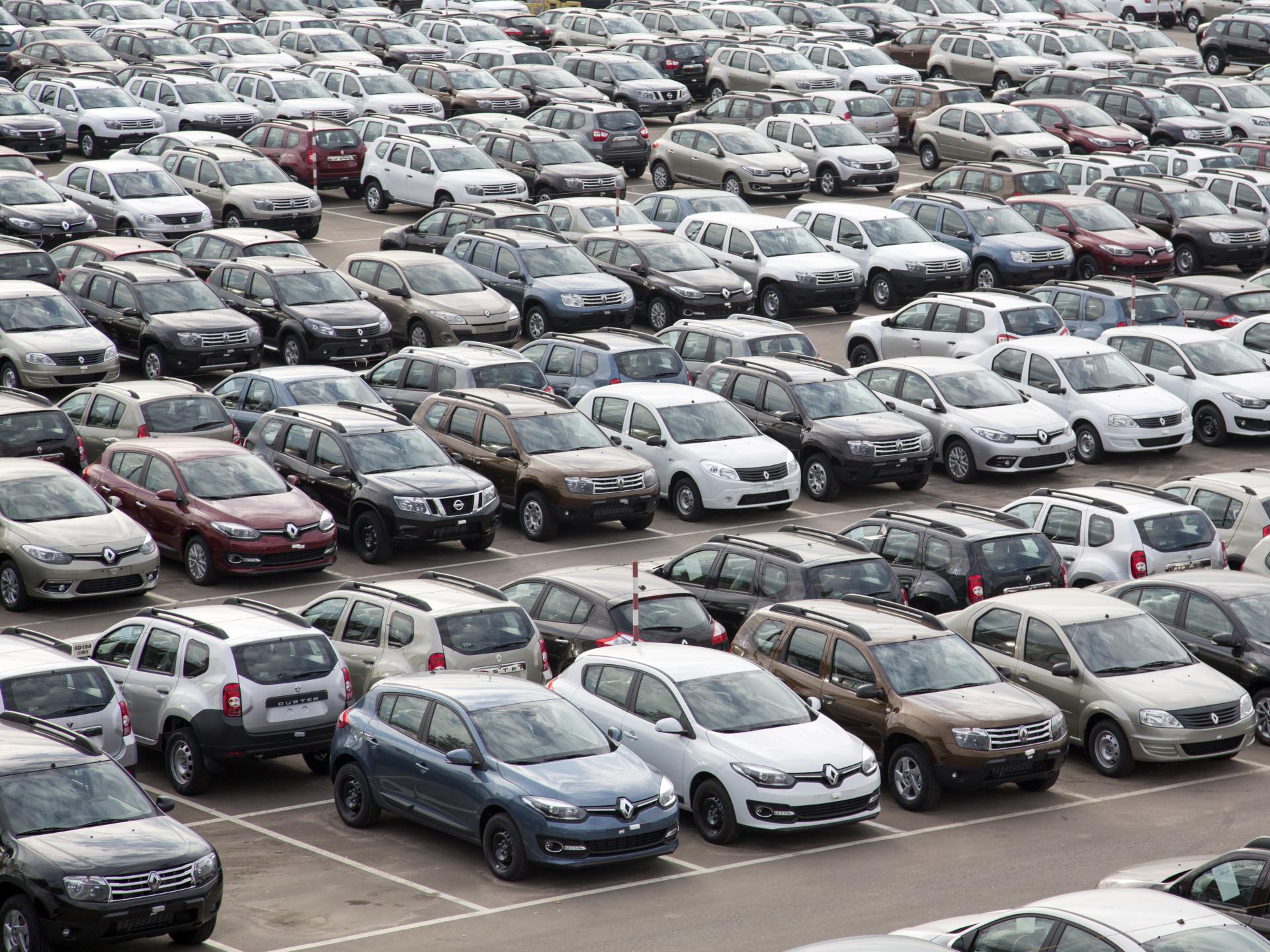 Названы топ-10 стран пообъему импорта легковых авто вРФ