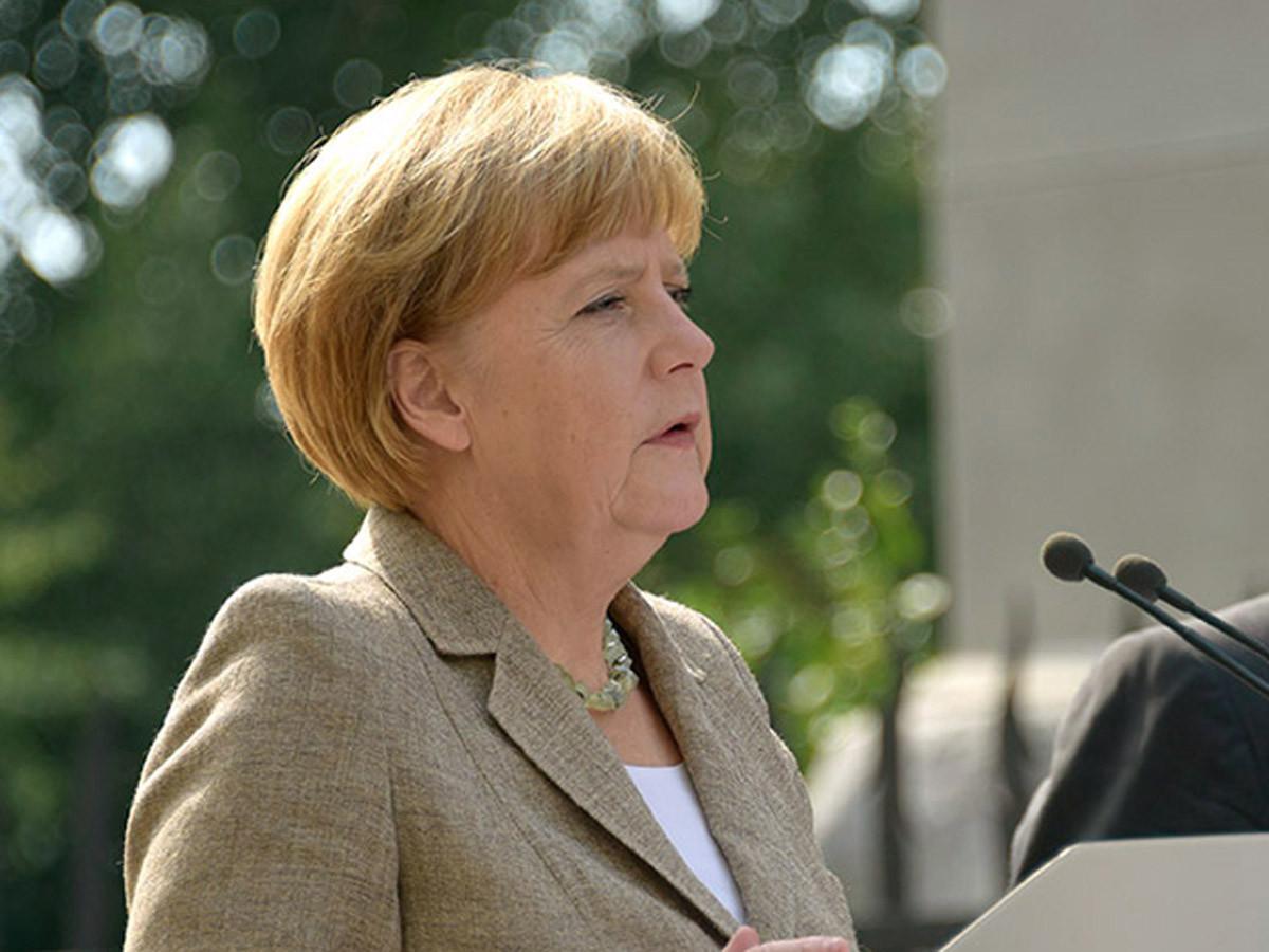 Дрожащую Меркель отправили вдлительный отпуск