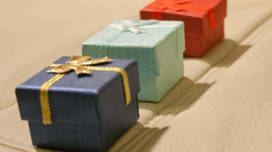 От белья до парфюма: инструкция по выбору подарка на 8 марта