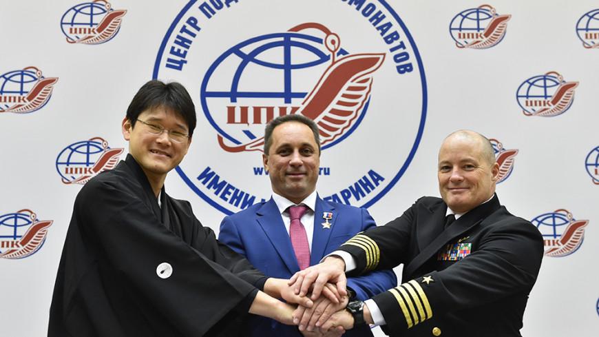 Экипаж МКС обеспечит себя интернетом и доставит в космос шайбу