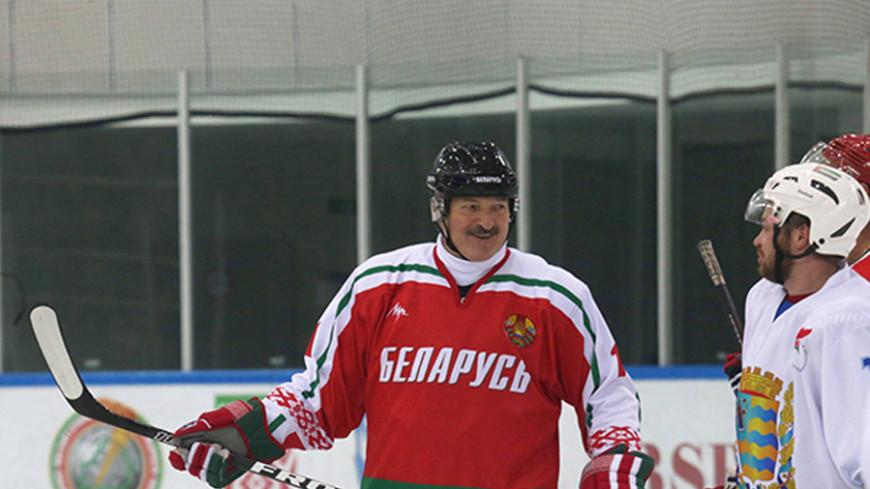 Лукашенко обрадовал поклонников победой на хоккейном турнире