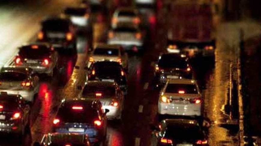 Москва встала в пробках из-за непогоды и ремонта дорог