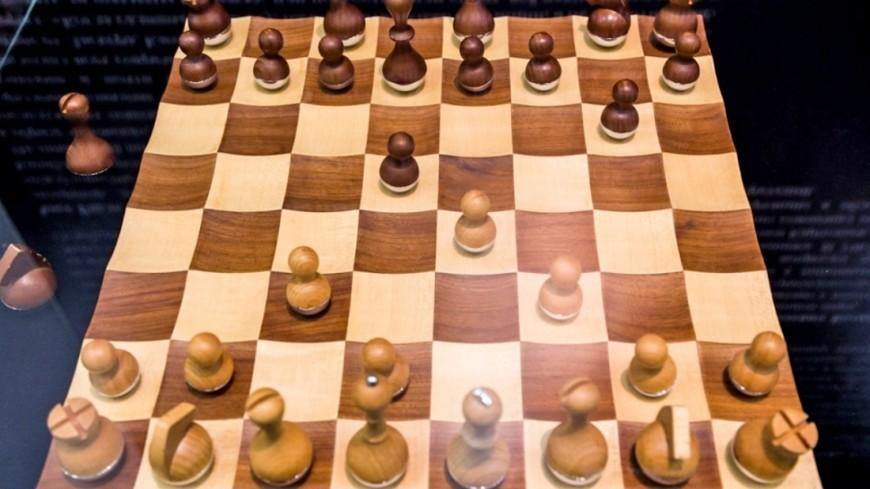 Норвежец Карлсен выиграл шахматный турнир в Азербайджане