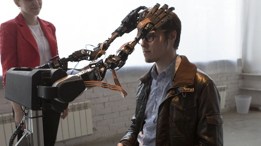 Создан робот, который будет сверлить черепа людям