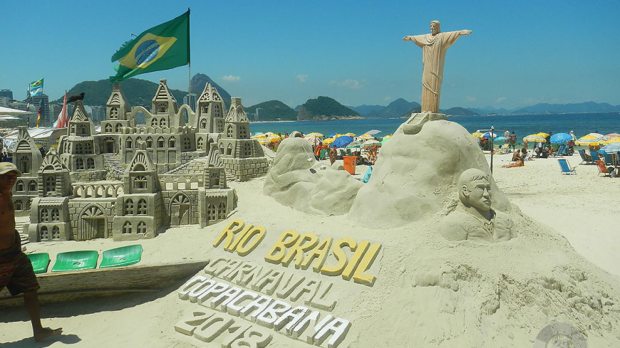 «И все поголовно в белых штанах!» Бразильский карнавал глазами русского