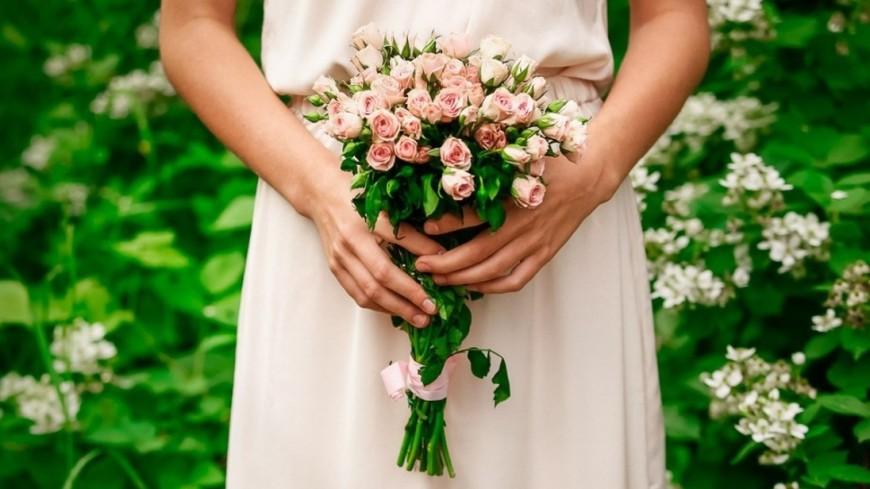 В День всех влюбленных на Филиппинах сыграли массовую свадьбу