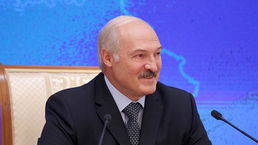 Лукашенко: Флаг и герб – визитная карточка миролюбивой Беларуси