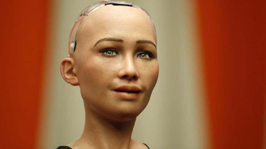 Пообещавшая уничтожить человечество робот София изменила свои планы