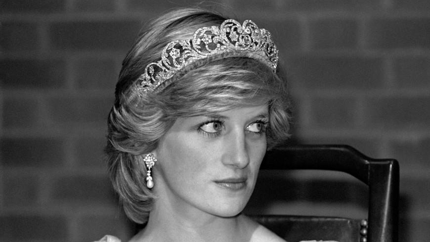 Статую принцессы Дианы уберут из универмага в Лондоне
