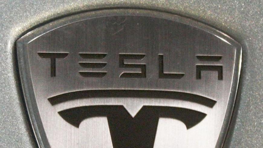 Режиссер Майкл Моррис едва не сгорел в Tesla