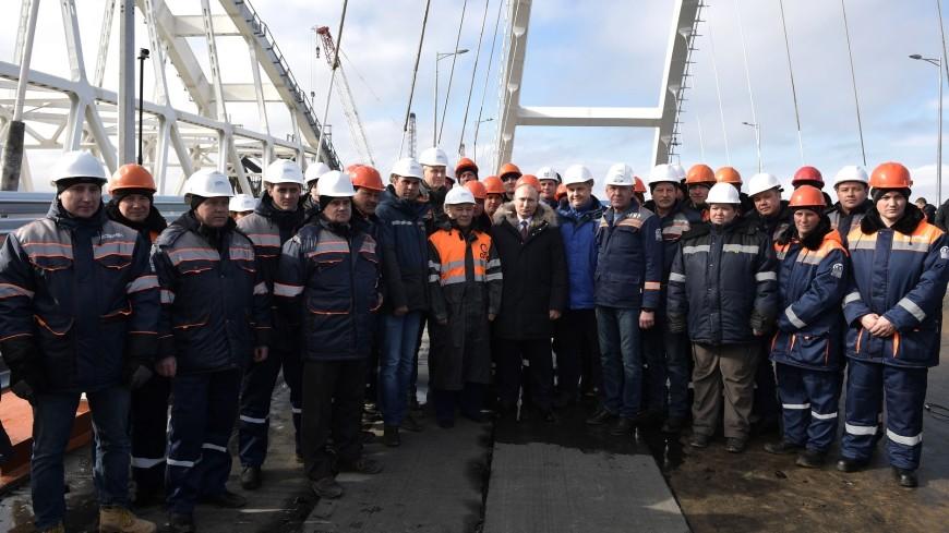 Путин допустил открытие Крымского моста раньше срока