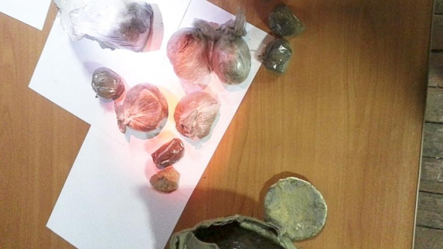 Красноярцы пытались незаконно вывезти из Якутии шайбу из золота