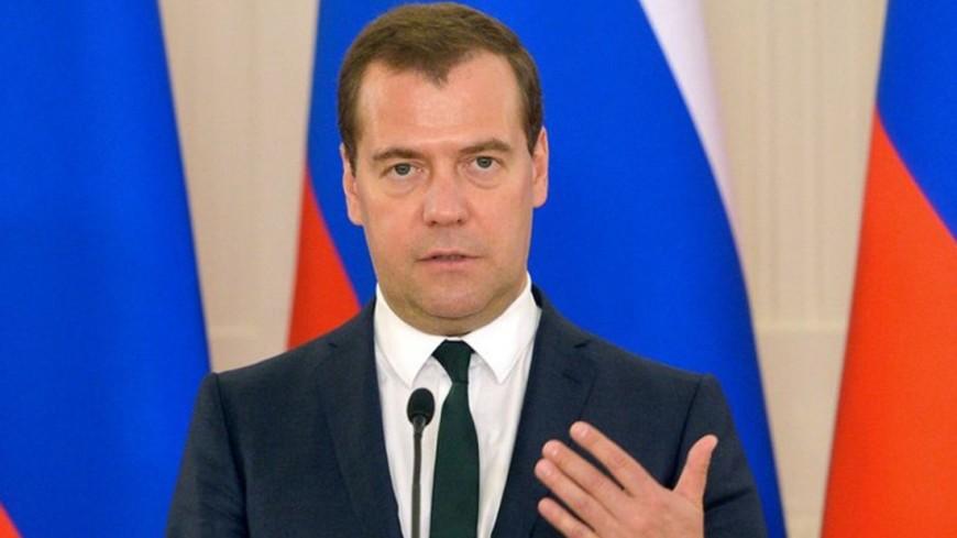 Медведев дал поручения по выполнению «майского указа» Путина