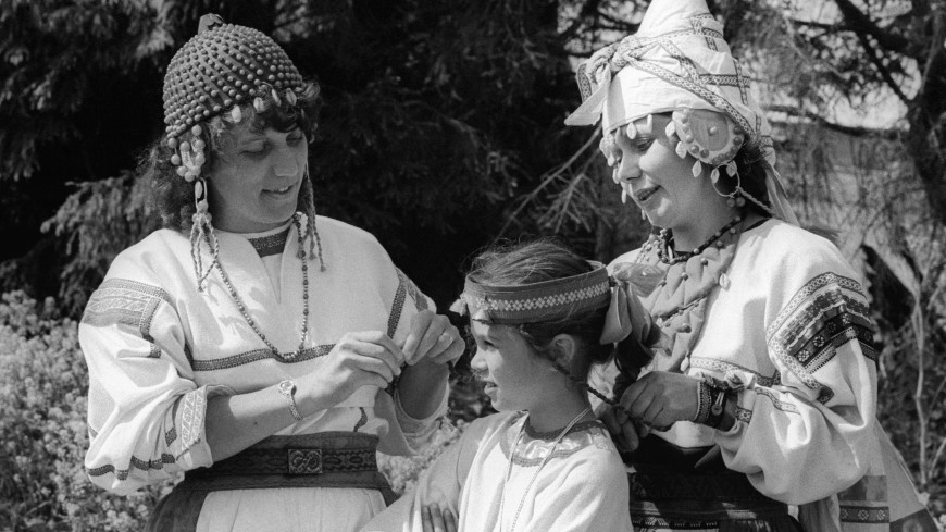 Побрить от греха подальше: странные свадебные обряды малых народов России