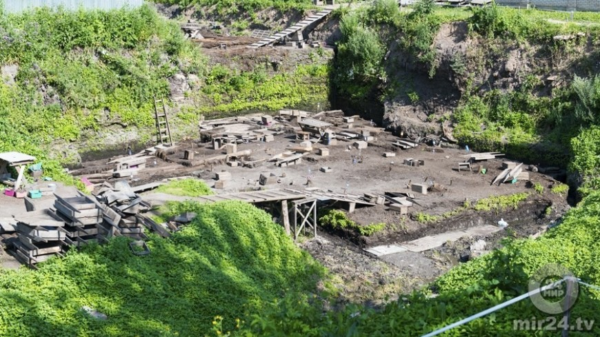 В Краснодарском крае археологи откопали бронзовый шлем богини Афины