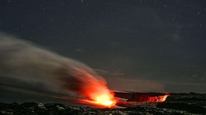 Гавайи «покраснели» из-за извергающегося Килауэа